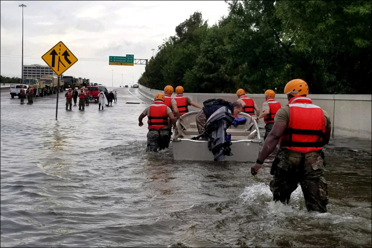 Texas+Army+National+Guard+troops+participate+in+Hurricane+Harvey+relief+efforts.+%28Wikimedia+Commons+photo%29