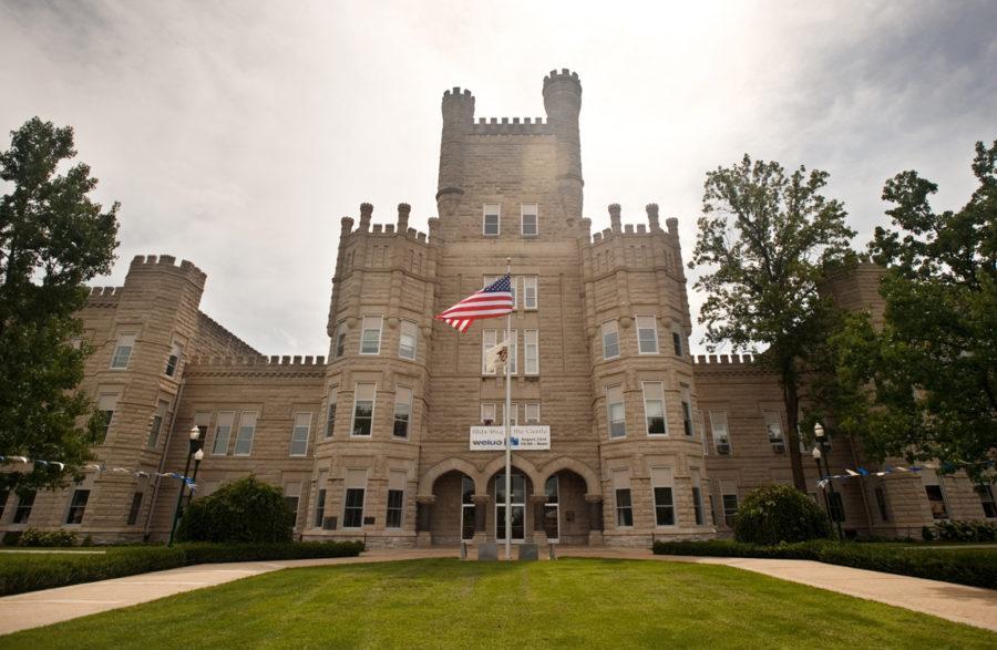 Eastern+Illinois+University+in+Charleston+has+hosted+the+Illinois+Journalism+Education+Association+since+1988.